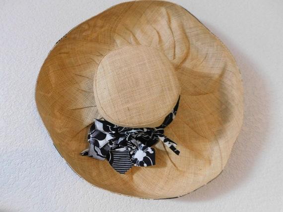 vintage wide brim sunhat/black white floral ribbo… - image 7
