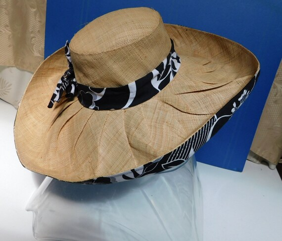 vintage wide brim sunhat/black white floral ribbo… - image 5