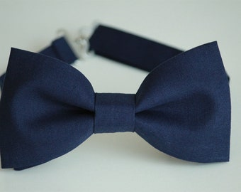 a203cb2b35e0 Navy bow tie, navy blue bow ties for men, blue boys bow tie, wedding bow tie,  groom bowtie, groomsmen bow tie, ring bearer bow tie, ringboy