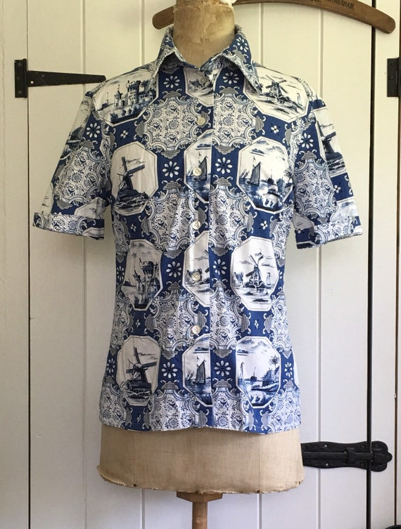 Vintage 70s novelty print Delft shirt