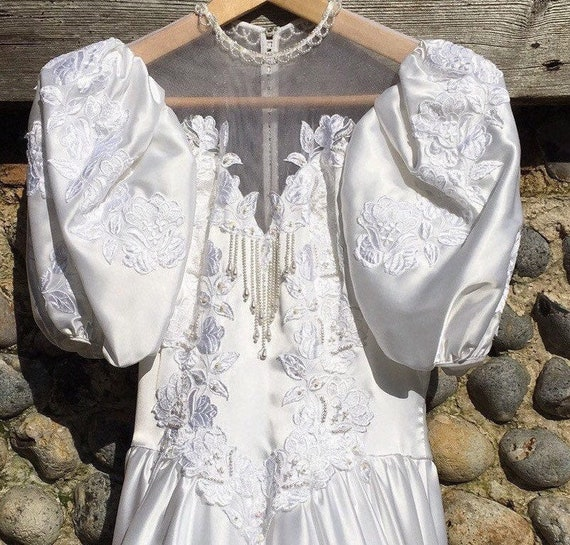 Vintage 80s puff sleeve wedding dress