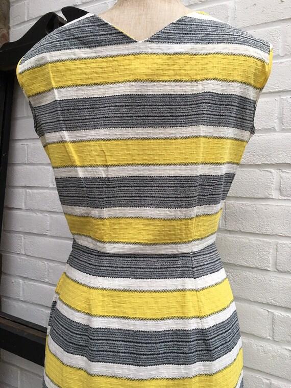 Vintage 50s/60s novelty print dress - image 7