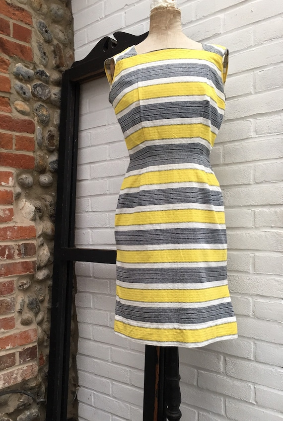 Vintage 50s/60s novelty print dress - image 4