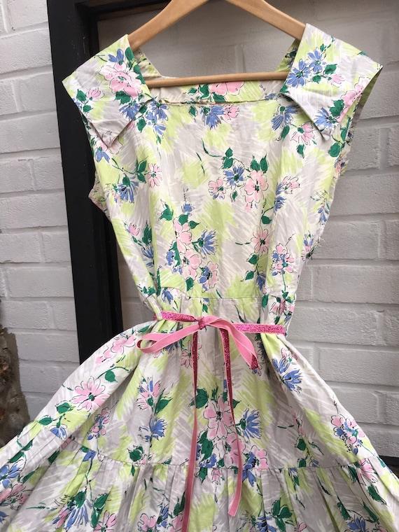 Vintage 50s cotton floral print dress tiered skirt