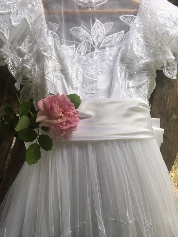 Vintage 1980s wedding dress