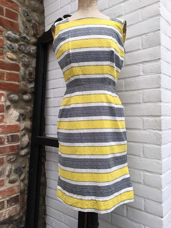 Vintage 50s/60s novelty print dress - image 2