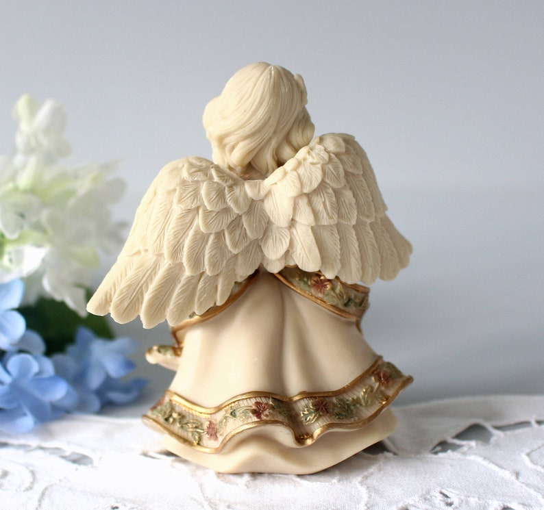 Sarah/'s 10th Anniversary JulyJuillet Mindspring Small Girl with Flowers Angel Figurine Collectible Pastel Decoration Resin Gift