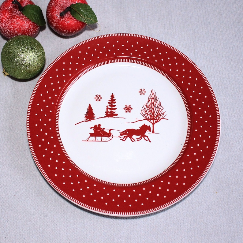 Christmas Plates.Christmas Plates 2 Red Plates Christmas Gift Vintage Plates Decorative Plate 8 Cookie Plates Desert Side Plate Vintage Scenery Plates