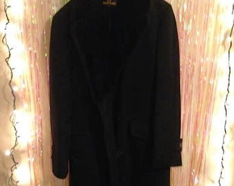 Zero King vintage black wool coat with fur lining and trim. Class!