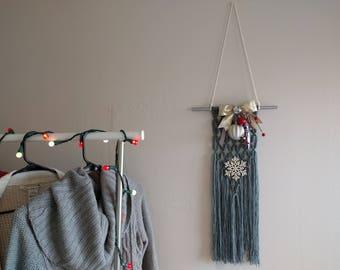 Holiday Yarn Wall Hanging, Christmas Decor, Wall Decor, Yarn Hanging, Holidays, Gray Yarn