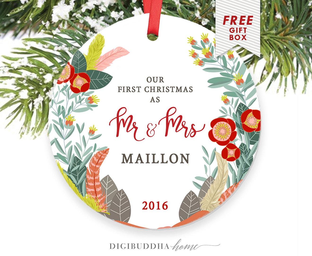 Wedding Gift Ornaments: Farmhouse Christmas Tree Ornament Wedding Gift Ideas For