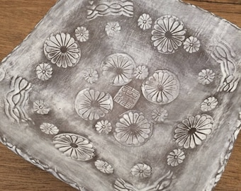 Chrysanthemum Mishima Dish