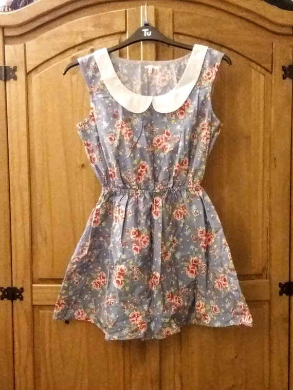 Peter Pan collar floral dress