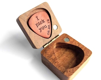 Personalized Custom Engraved Wood Guitar Pick / Wooden Plectrum Musician Valentines Day Gift Wooden Box For gurtar player