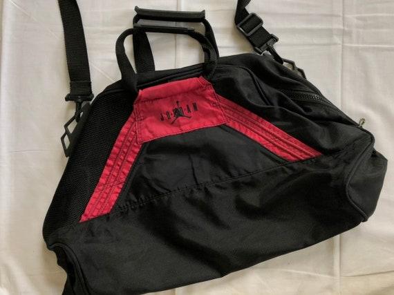e793100e3b931a Vintage 90 s Nike Michael Jordan Duffle Bag