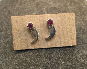 Semicolon Post Earrings with Pink Sapphires
