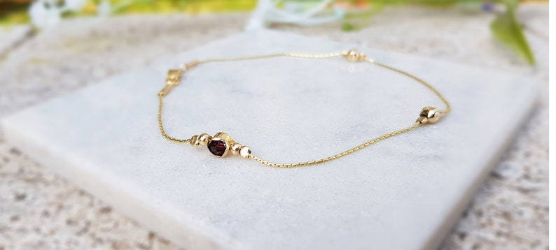 Dainty Anklet,Beach Anklet,14k Gold Anklet,Garnet Bead Anklet,Garnet Jewelry,Red Anklet Bracelet,Birthstone Bracelet,Delicate Bracelet