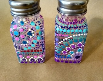 Pair of Glass Salt and Pepper Shakers, Hand Painted Dot Mandala Salt and Pepper Shakers, Unique, Mandala, Kitchen, Decor
