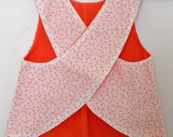 Cross back apron
