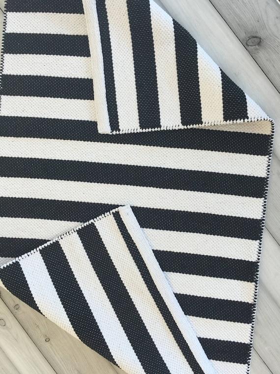 Rayé noir et blanc chemin de tapis, tapis de chambre d\'enfant ...