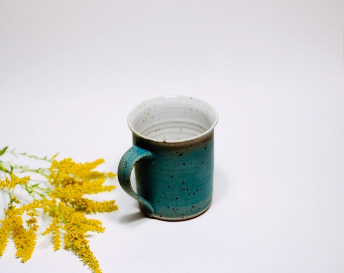 Cup of turquoise in ceramic