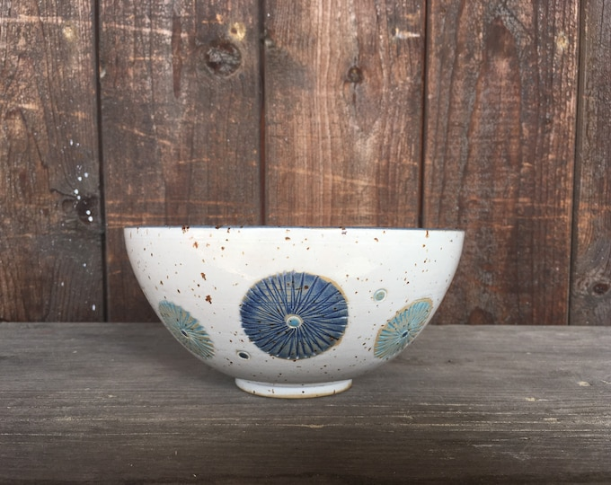 Cereal bowl bowl with flowers three pustules stoneware pottery