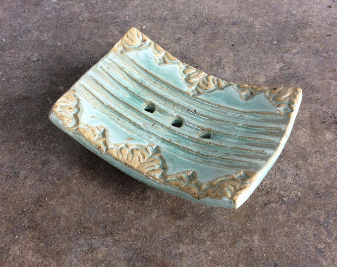 Ceramic soap dish green with stamp motif natural soap