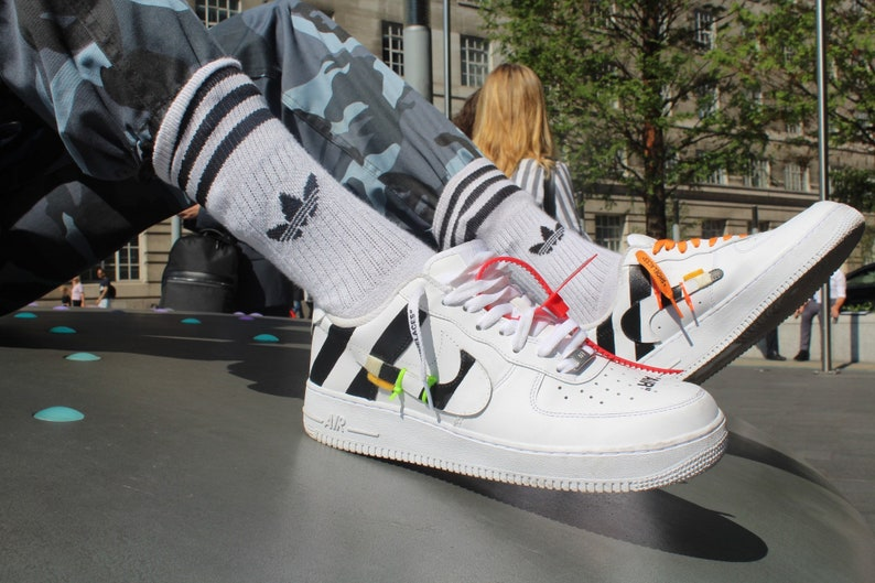 save off c2c03 4e376 Off White Custom Air Force 1's