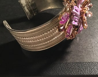 Wow this gorgeous bracelet fits beautifully on your wrist.
