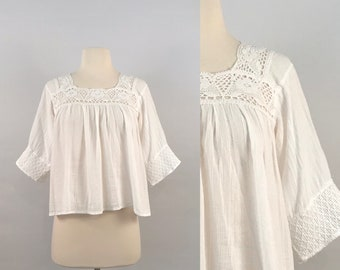 f7410d45cbe2e1 70s White Peasant Blouse / Vintage Boho Cropped Top