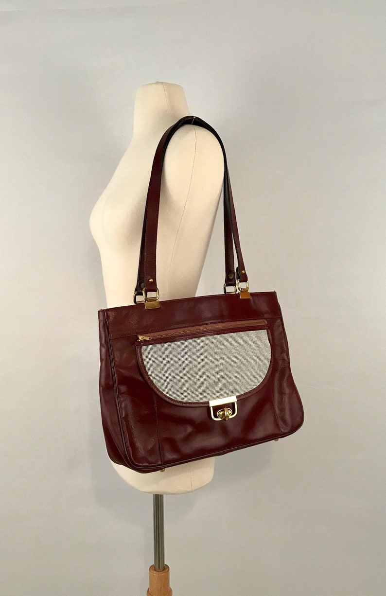 620d6618d3 80s Maroon Leather Handbag  Vintage Shoulder Bag
