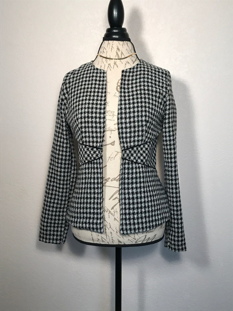 aba20c8d2933 90s Black/White Houndstooth Blazer / Chanel Inspired Jacket | Etsy