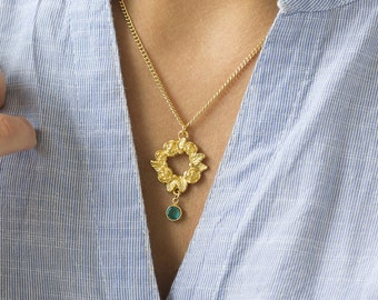 garland birthstone necklace, gold flower necklace, silver flower necklace, birthstone pendant, circle necklace, floral detail necklace