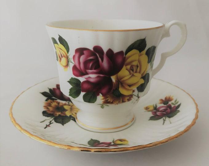Taza y platillo Royal Windsor- fina porcelana de hueso