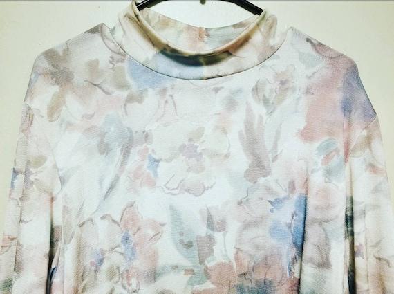 Retro Floral Turtleneck Shirt, Super Retro Shirt f