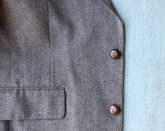 Light Brown Men's Sport Coat with Brown Leather Buttons