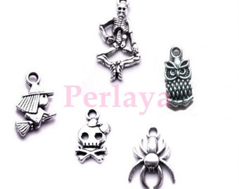 15 Halloween witch charms - skeleton - owl - spider - skull REF869X3