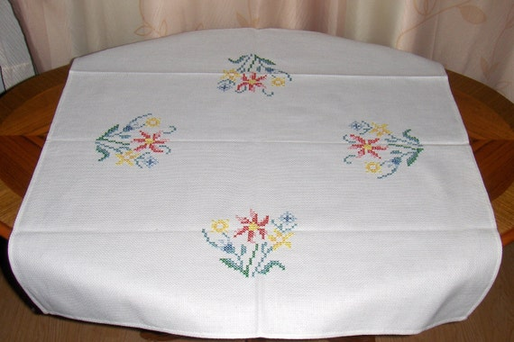 Vintage cross stitch embroidery small tablecloth
