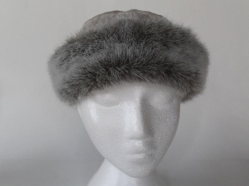5d5e216ada8 Swedish vintage womens grey velvet and faux fur cap  Ladies