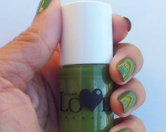 Green nail polish- Healthy Living
