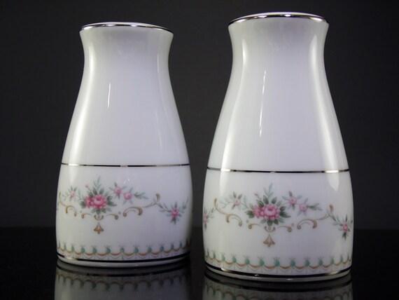 Noritake Japan Vintage Salt And Pepper Shakers. Vintage Noritake Japan Floral Salt And Pepper Shakers Retro Floral Noritake Shakers