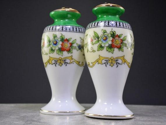 Vintage Japanese Noritake Roseara Gold Trim Floral Flowers Motif Fine Bone China Porcelain Ceramic Salt /& Pepper Shaker Set Made in Japan