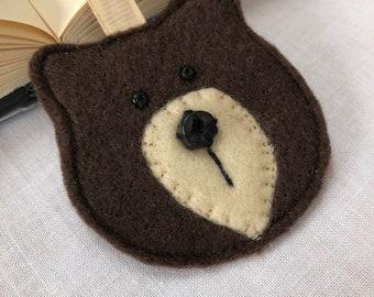Adorable bear bookmark