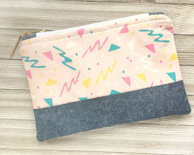 Large Pink Geometric Nineties Pattern Zippered Pouch Makeup image 0