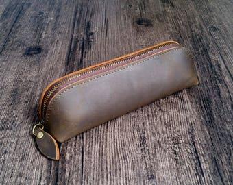 Leather pencil case, leather pen holder, leather pencil pouch, brown pen pouch, vintage pencil case, pen and pencil case, best pencil case