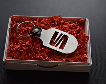 AUTOGIFTS Schl/üsselanh/änger mit Logo f/ür Seat Leon