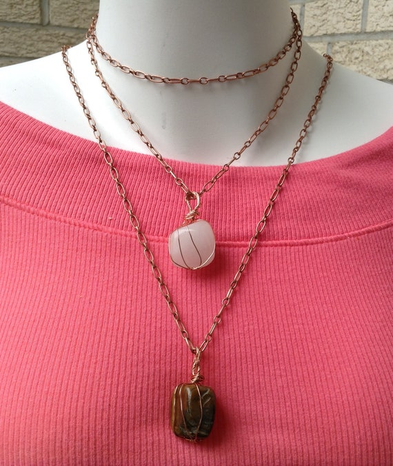 Natural cloudy quarts or tigers eye stone pendant necklace