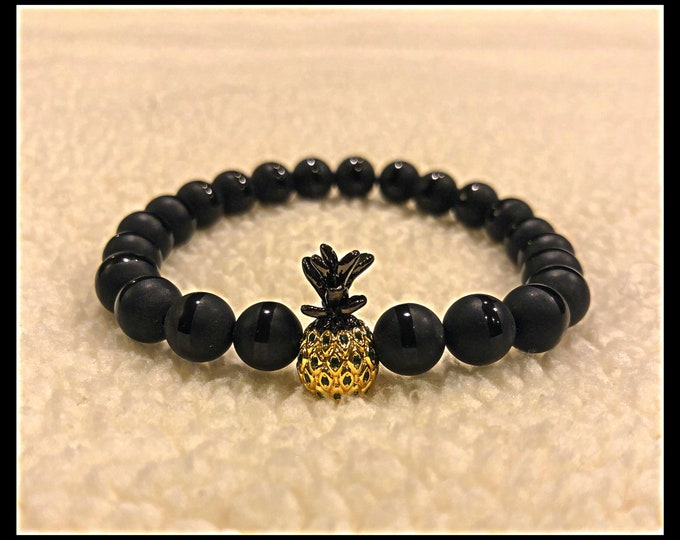 Pineapple charm beaded bracelet