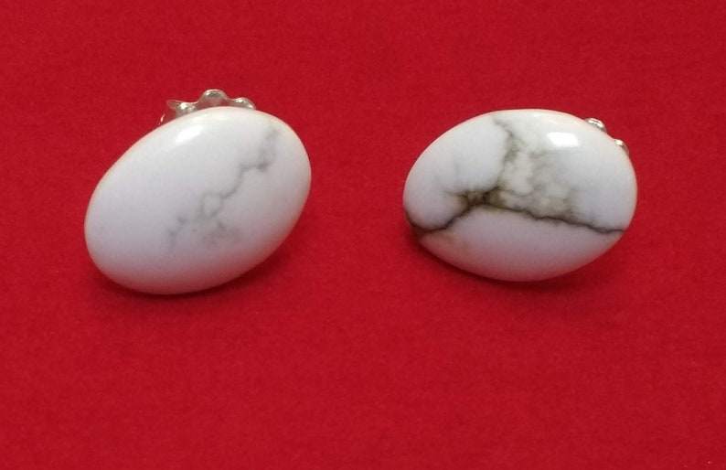 Oval-Shapped Howlite White Turquoise Stud Earrings White image 0
