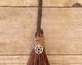 Mini Altar Witches Brooms 8-10 inches MAB926611